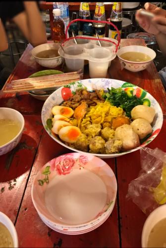タイ人嫁家族とナイトマーケットで夜ごはん
