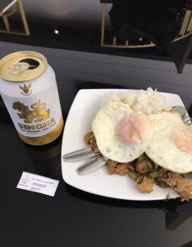 ドンムアン空港ラウンジでのタダ飯、タダ酒